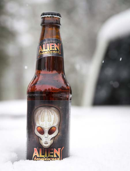 Icing down an Alien Ale in snow