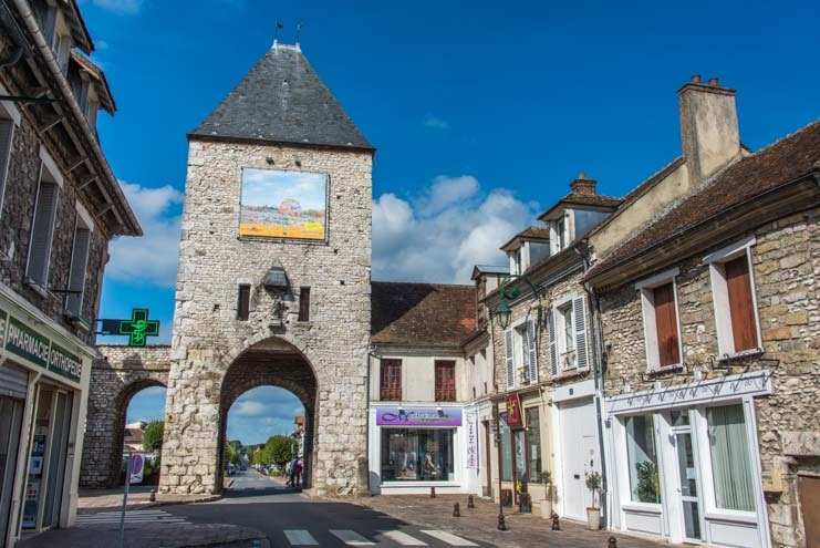 Roman gate at Moret sur Loing France-min