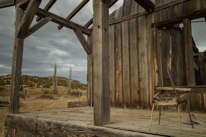 Movie set ghost town Johnson Canyon Kanab Utah-min