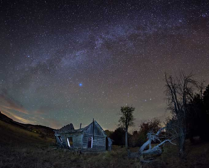 Milky Way over Johnson Canyon movie set ghost town Kanab Utah-min