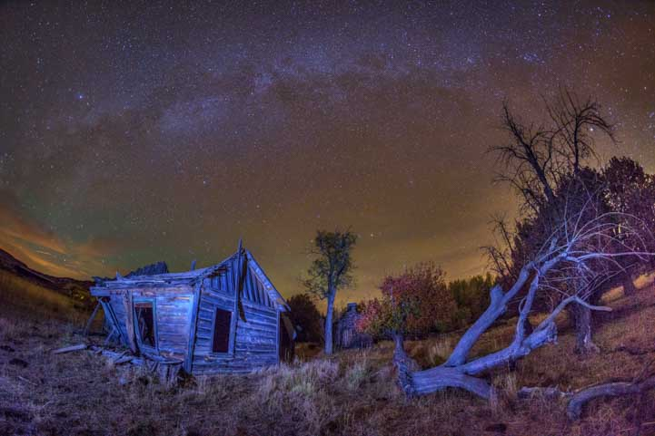 Stars over ghost town at Johnson Canyon movie set near Kanab Utah-min