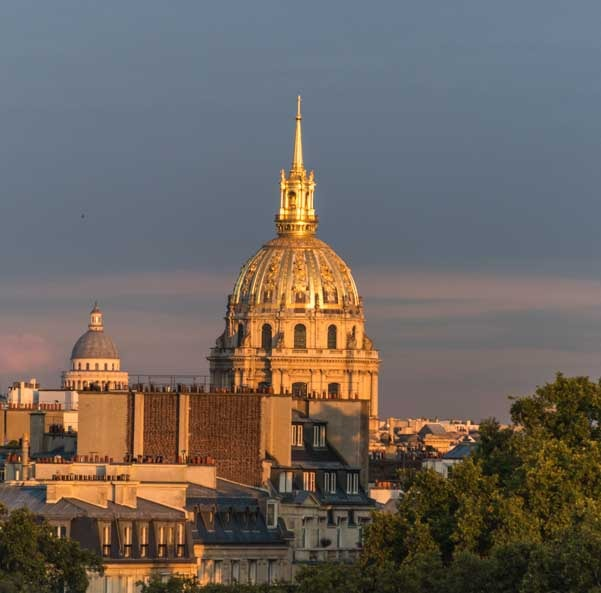 Sunset on Les Invalides Paris France-min