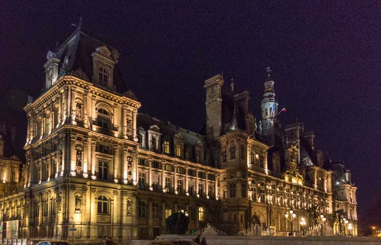 Hotel de Ville at night Paris France-min