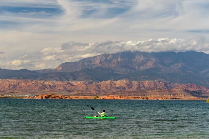 Kayaking Sand Hollow State Park Utah-min