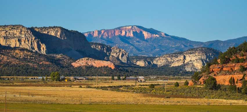 Johnson Canyon scenery Kanab Utah RV trip-min