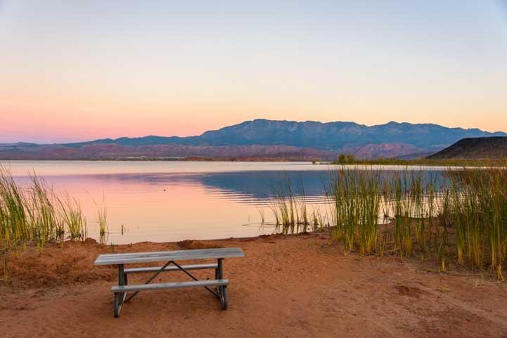 RV campsite Sand Hollow State Park Utah-min