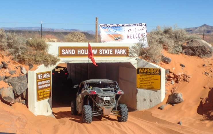 Can-Am Maverick X3 side by side UTV Sand Hollow State Park Utah-min