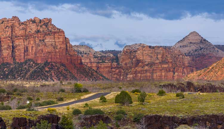 Kolob-Canyons-Road-Scenic-Drive-Zion-National-Park-Utah-min