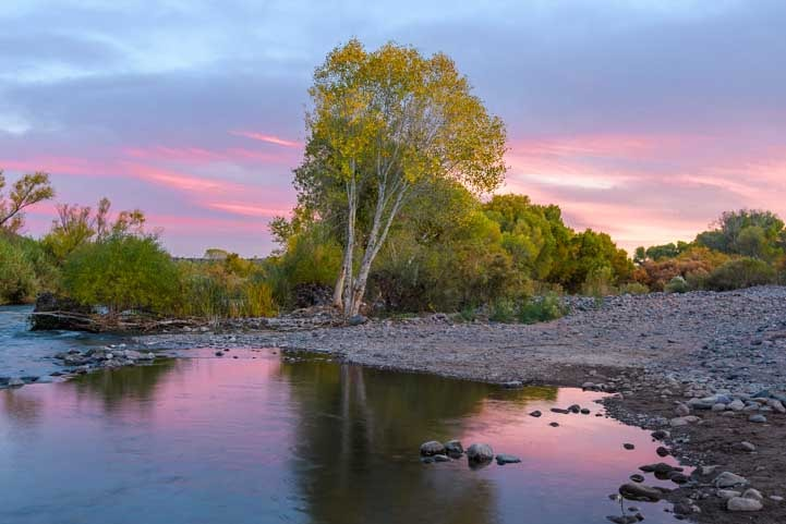 Sunset on the Verde River on an Arizona RV trip-min