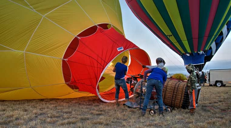 Filling the hot air balloons-min