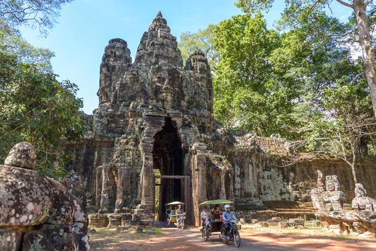 Angkor Thom gate at Angkor Wat Cambodia travel-min