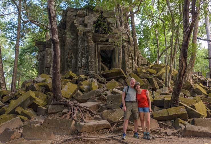 Angkor Wat ruins in Cambodia-min