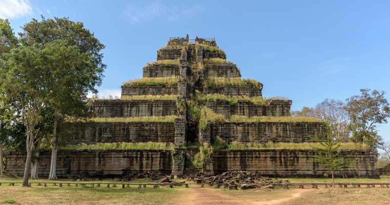 Step pyramid Angkor Wat temple Cambodia-min