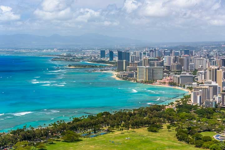 Honolulu Hawaii travel adventure-min