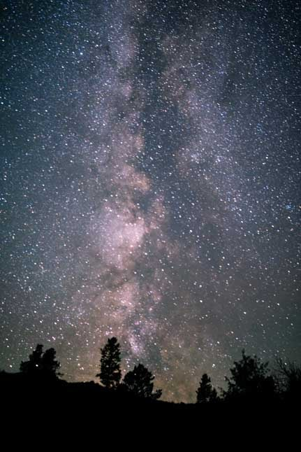 Milky Way at midnight in Wyoming-min