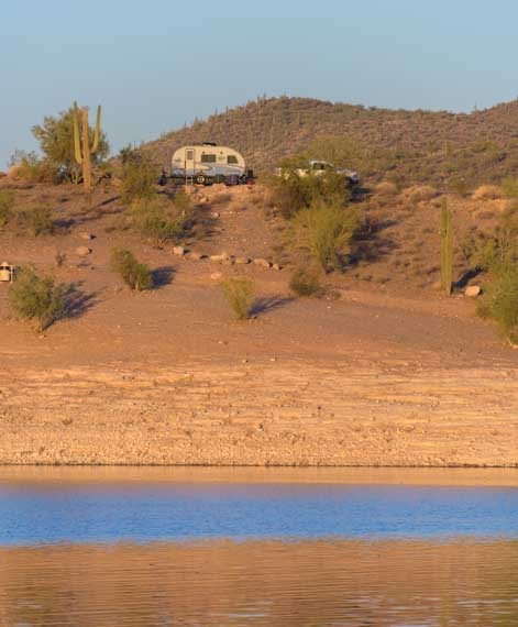 Travel trailer RV at Lake Pleasant Arizona-min