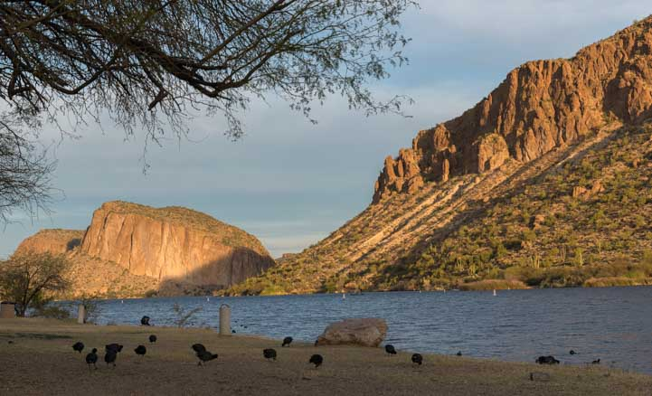 Canyon Lake RV campground on an early Arizona morning-min