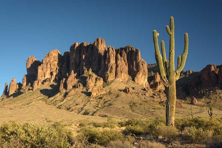Lost Dutchman State Park RV trip Superstition Mountains and saguaro cactus-min