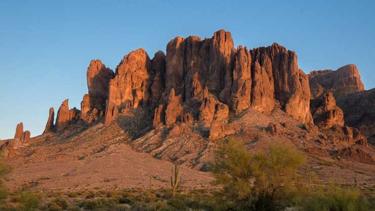 Superstition Mountains Lost Dutchman State Park Arizona-min