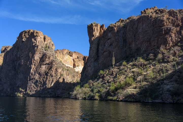 Canyon Lake Scenery Dolly Steamboat Cruise Arizona-min