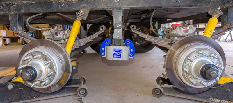 Fifth wheel trailer suspension with disc brakes and MorRyde SRE 4000-min