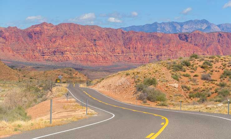 Scenic drive approaching Gun Lock State Park Utah-min