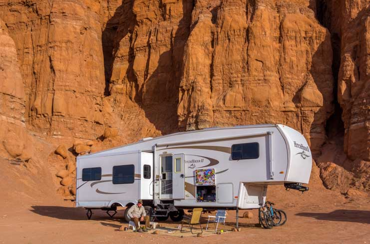 RV camping Goblin Valley State Park Utah-min