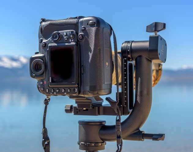 Portrait Orientation Sunwayfoto GH-01 Gimbal Head Nikon D500 Tamron 150-600 lens-min