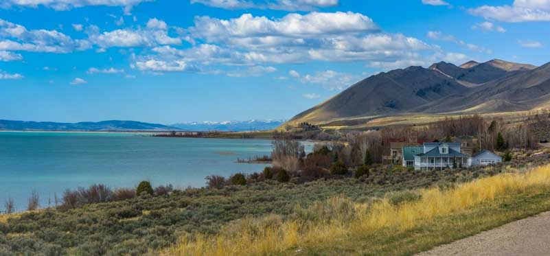 Lakeside living Bear Lake Utah-min