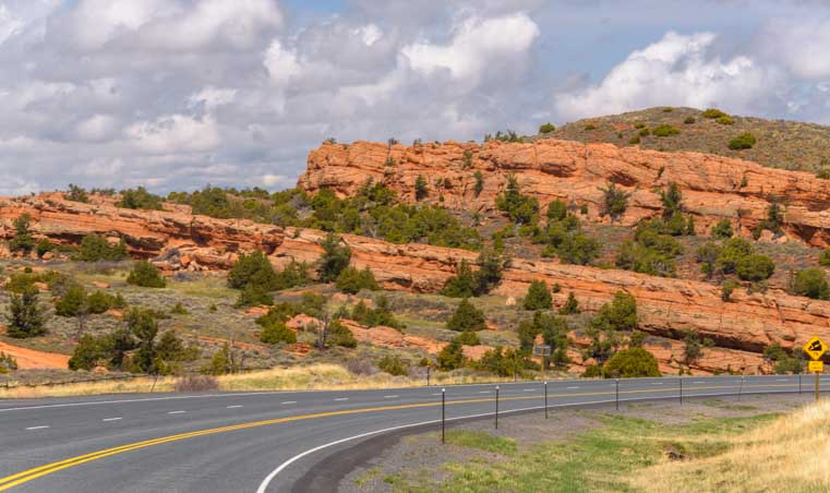 Red rocks in rural Wyoming-min