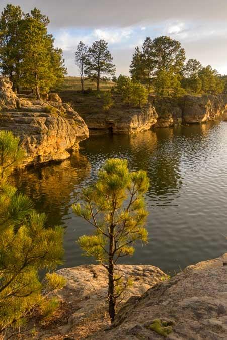 Keyhole State Park Wyoming RV trip shee rock cliffs-min
