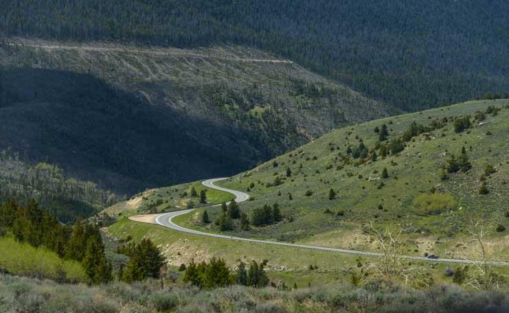 Scenic drive on RV trip in rural Wyoming-min