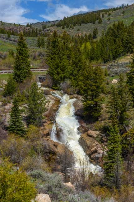 Waterfall in Bighorn Mountains RV trip-min