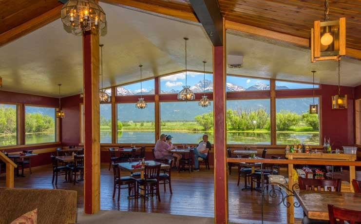 Dining room view Ninepipes Lodge Montana-min