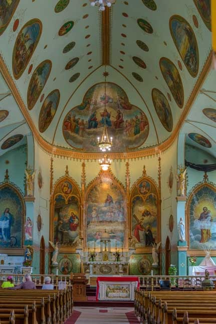 Inside the St Ignatius Mission in Montana-min