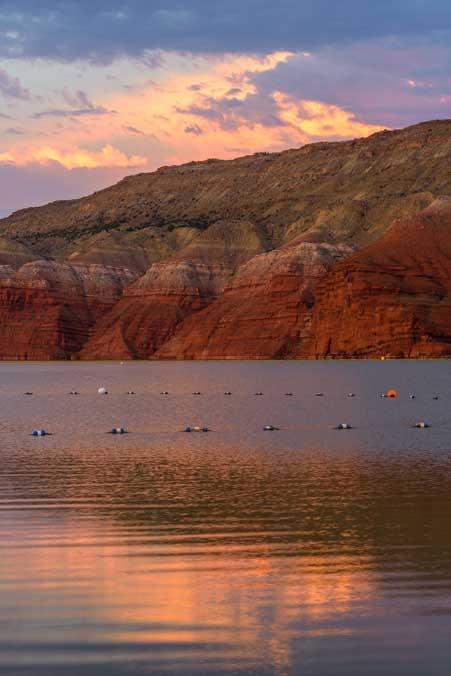 Sunrise Horseshoe Bend beach Bighorn Canyon National Recreation Area RV trip in Montana and Wyoming