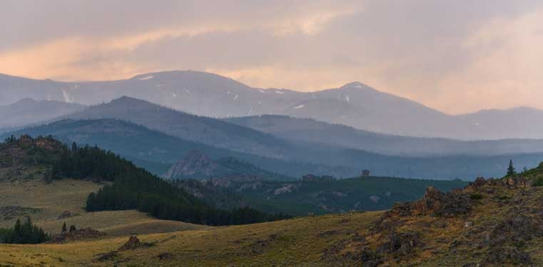 Big Horn Mountains Wyoming smoke from California wildfires-min
