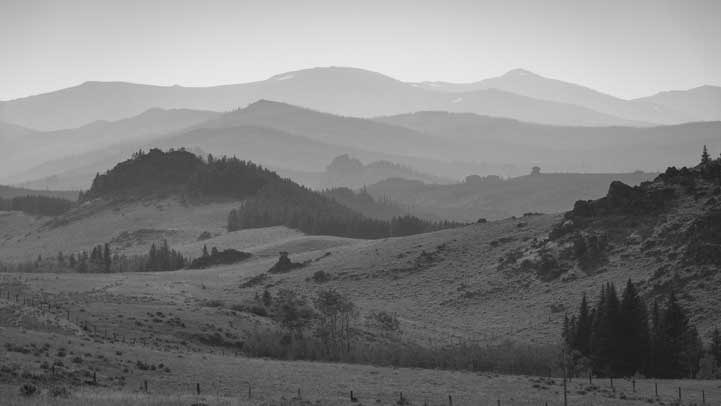 Smoky Mountains in the Rocky Mountains of Wyoming-min
