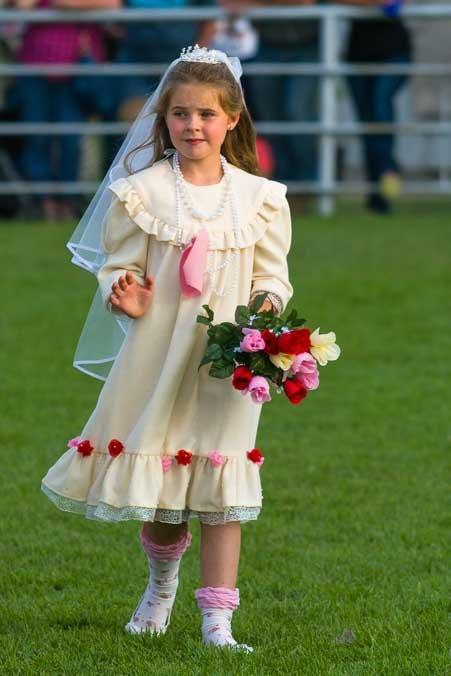 Wool wedding dress at Johnson County Wyoming fair 4h Sheep show-min