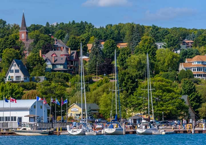 Bayfield Marina Lake Superior in Wisconsin-min