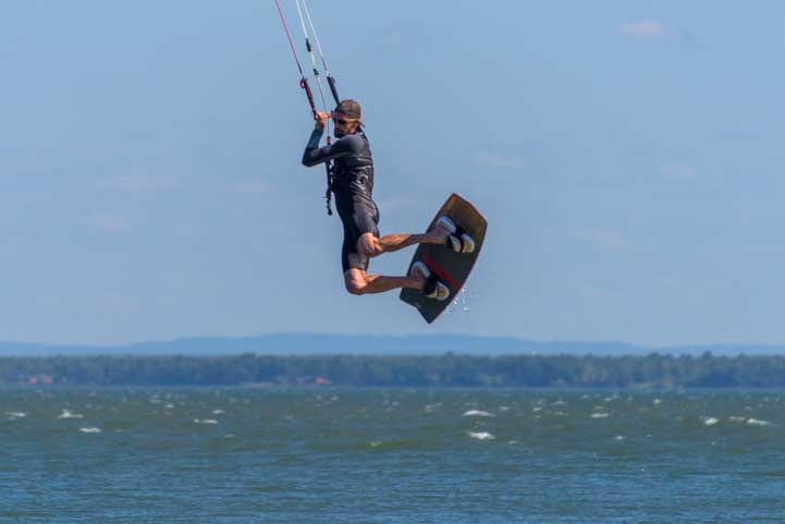 Kiteboarding Washburn WIsconsin Lake Superior-min