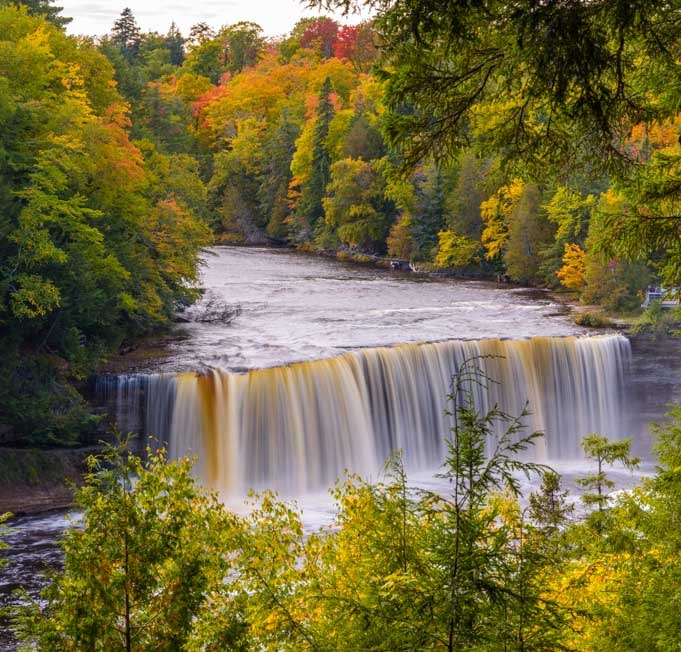 Taquamenon Falls waterfall Michigan Upper Peninsula-min