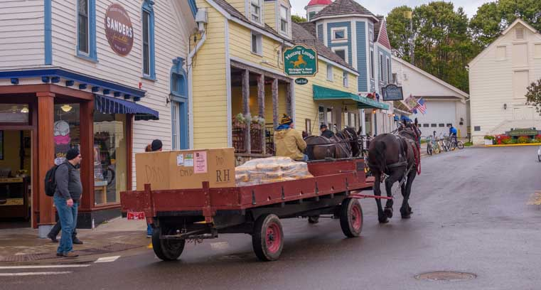 Working horse drawn wagon Mackinac Island Michigan-min