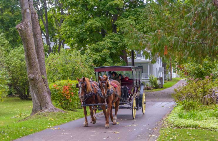 Carriage ride Mackinac Island Michigan-min