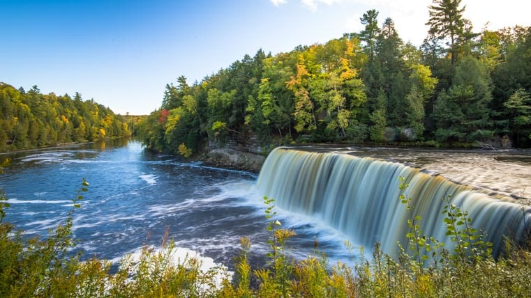 Taquamenon Falls Michigan Upper Peninsula-min