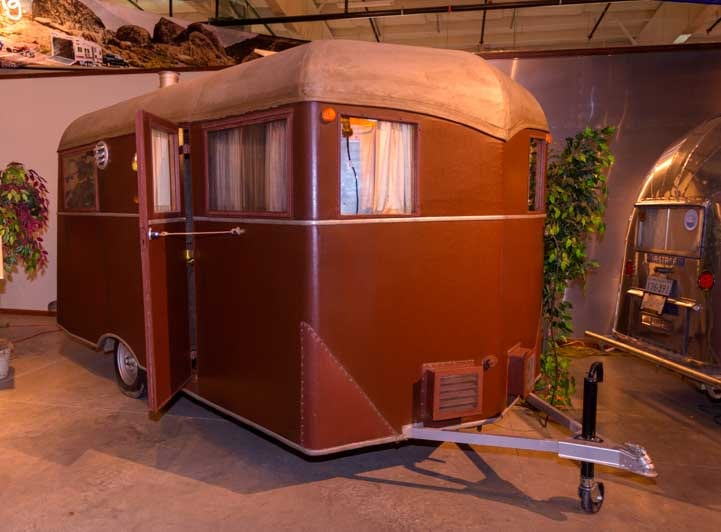 1935 Covered Wagon Travel Trailer-min