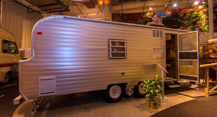 1967 FAN Luxury Liner travel trailer RV-MH Hall of Fame Museum Elkhart Indiana-min