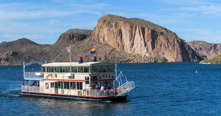 Dolly Steamboat ride Canyon Lake Arizona-min