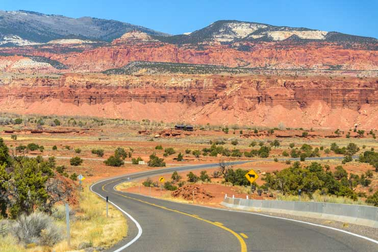 Red rock views Scenic Highway 24 Utah-min
