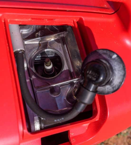 Spark plug compartment Honda EU2200i Generator-min